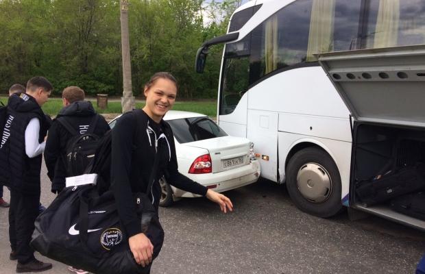 Автобус сГК «Ростов-Дон» попал вДТП вТольятти